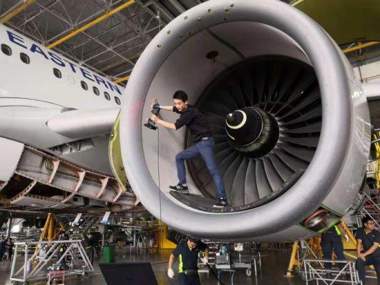 Hscan771-Metrology-Grade-3D-Scanner-Laser-Scanning-for-Airplane